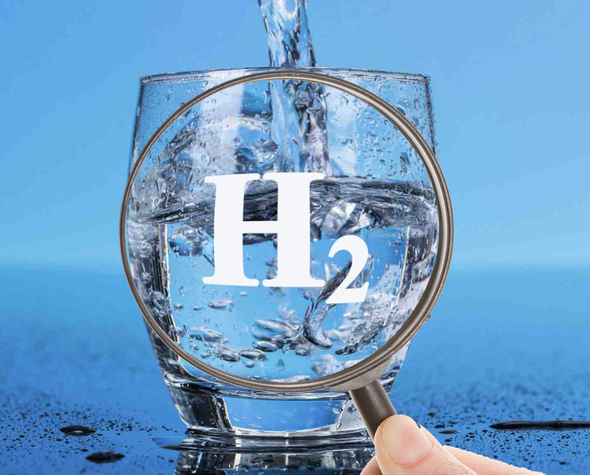 molecular hydrogen in water