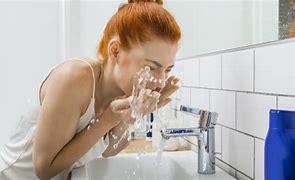 splash water on face